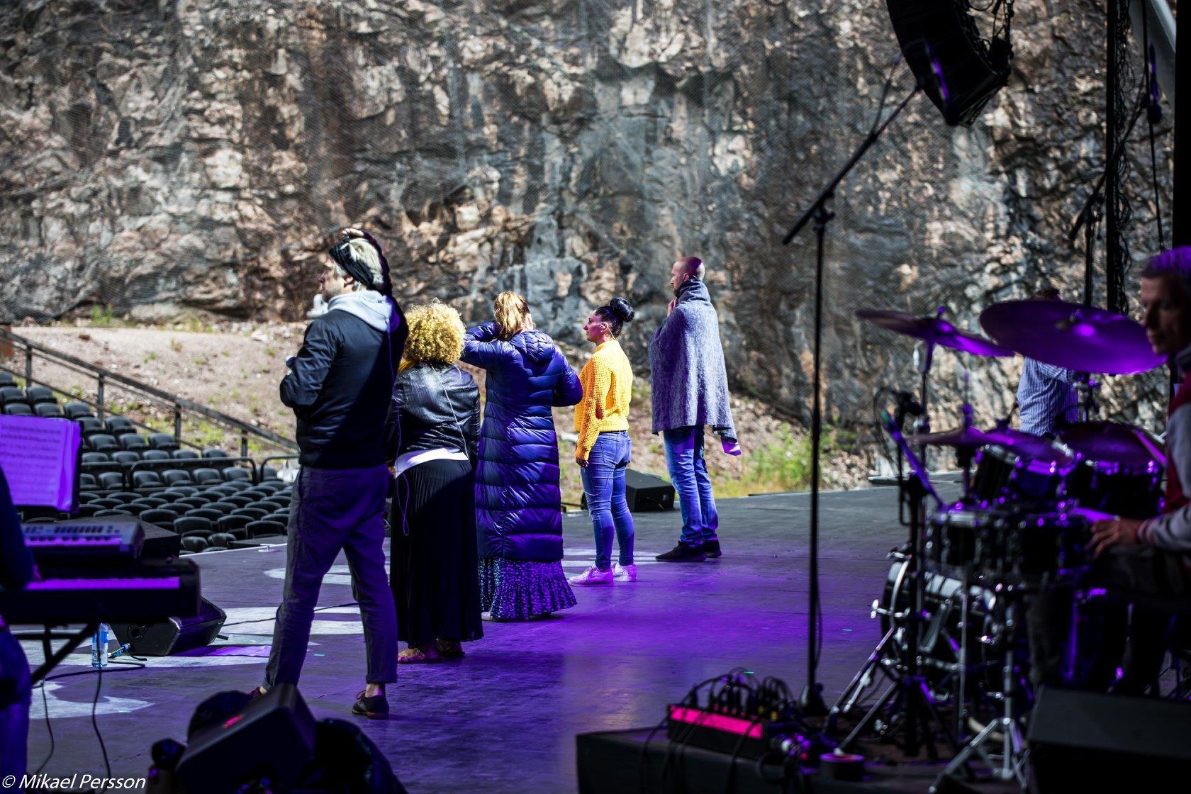 Jakob Stadell, Laila Adèle, Viktoria Tocca, Malena Tuvung och Alexander Lycke repar inför 2019 års konsert på Dalhalla.